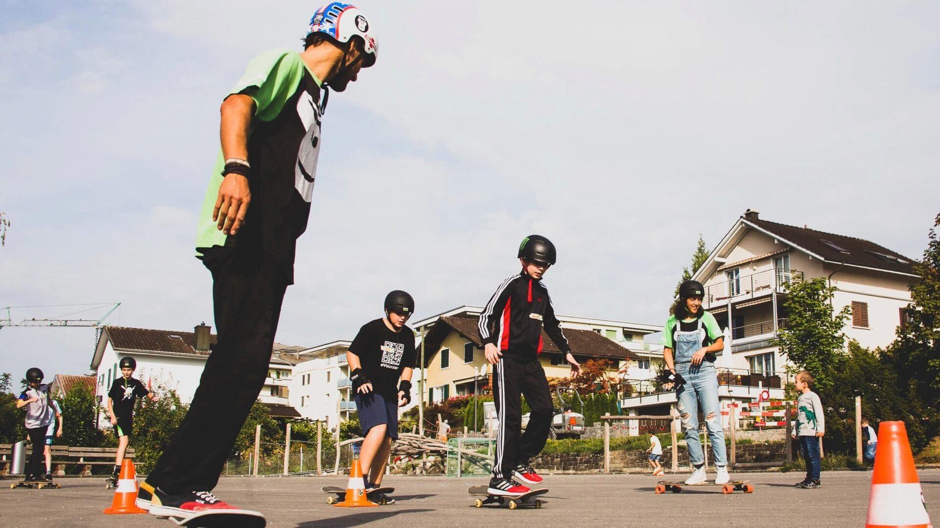 GORILLA Workshop an der Schule mit Skateboard