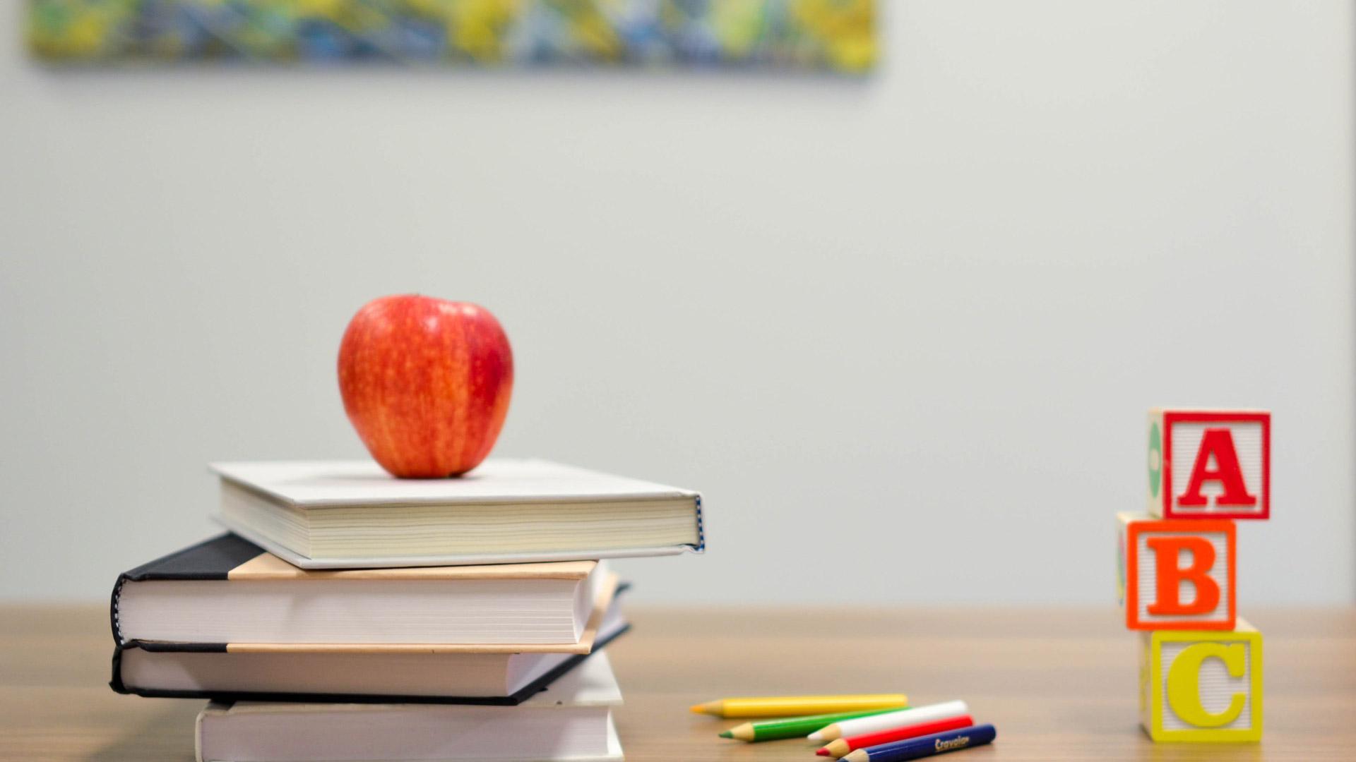 Tagesablauf für einen Schultag zu Hause