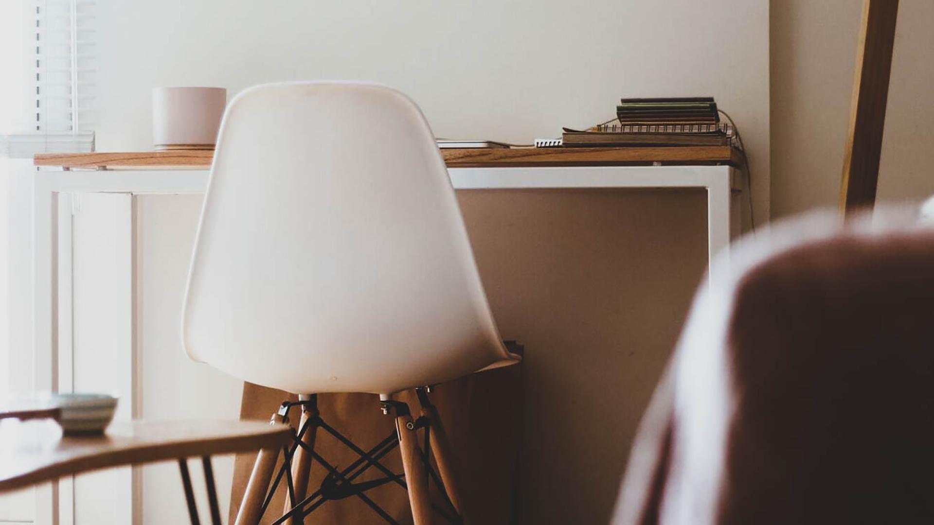 Gestalte deinen Arbeitsplatz zu Hause