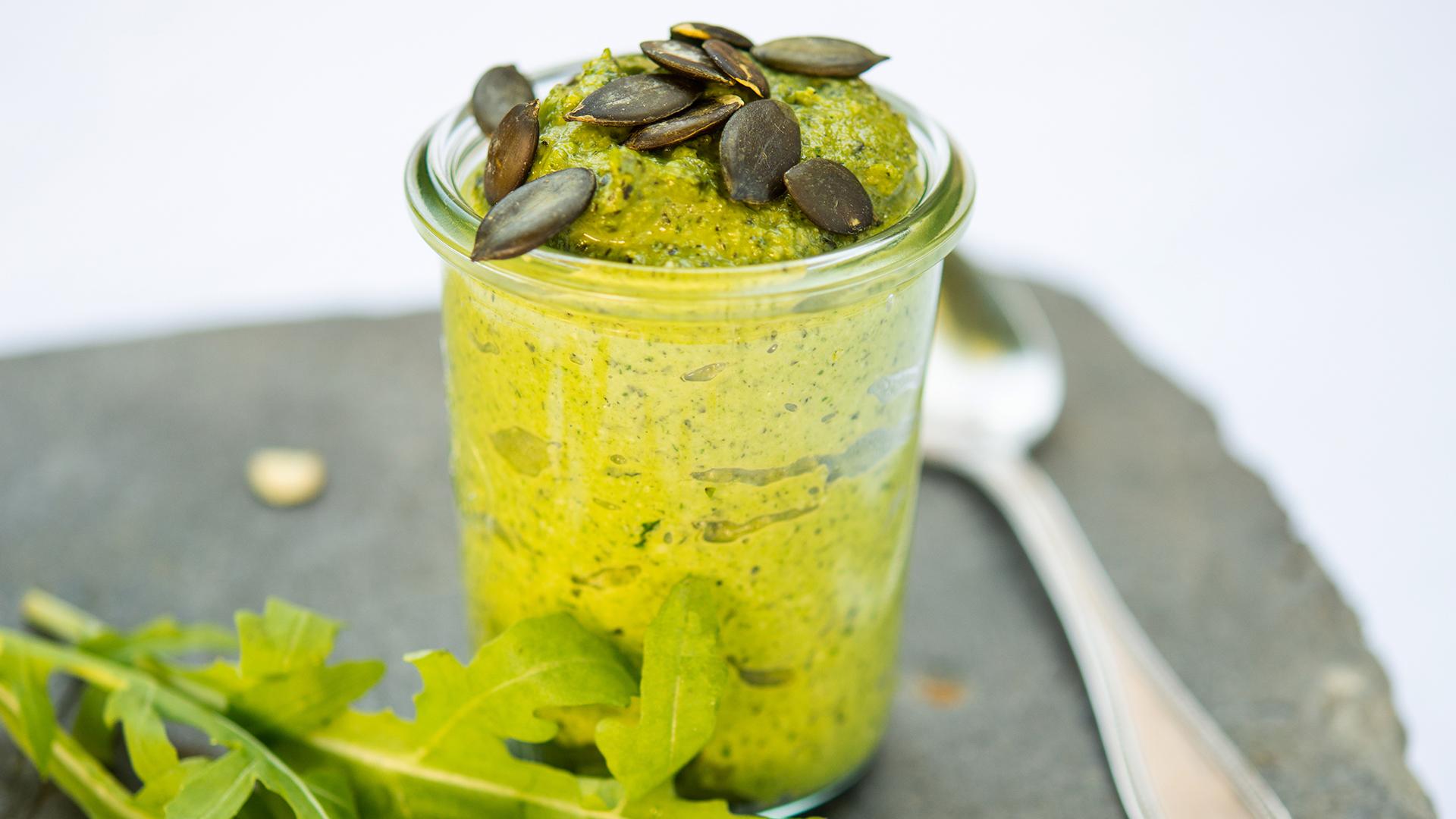 Grünes Rucola Pesto
